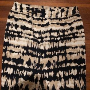 Breutiful Ann Taylor pencil skirt